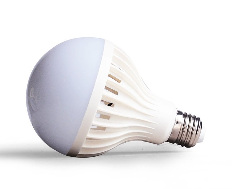 Light LED žárovka E27 7W 12V (LED žárovka s paticí E27 12V 7W)